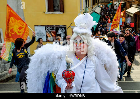 Venise, Italie. Mar 19, 2017. Mars protestataires à Venise pendant l'événement #. TESTS MÉDIASPIP La marche est Banque D'Images