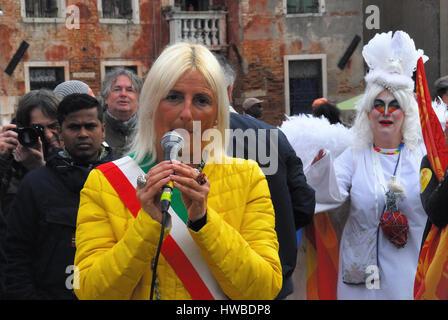 Venise, Italie. Mar 19, 2017. Cinq mille personnes participent à une marche le long du pacifique et colorée les Banque D'Images