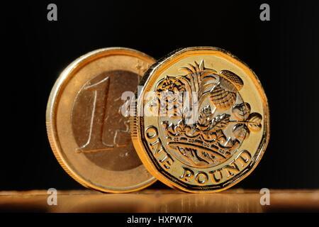 Euro et d'un nouveau livre Cooin Banque D'Images