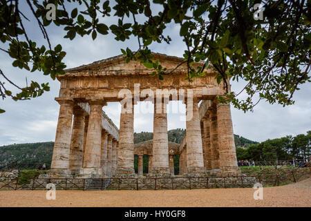 Segesta, Italie - 15 septembre 2009: La 2ème siècle Théâtre grec de Ségeste, monument historique en Sicile, Italie Banque D'Images