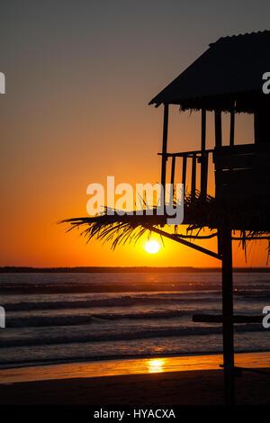 Le soleil se couche sur l'océan Pacifique à San Blas, Nayarit, Mexique. Banque D'Images
