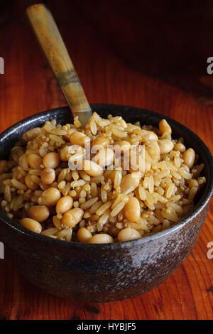 Brown de farine de riz avec haricot ou haricots blancs et le quinoa une saine riche en fibres de rechange au riz Banque D'Images