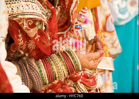 Mariée indienne, Varanasi, Uttar Pradesh, Inde, Asie Banque D'Images