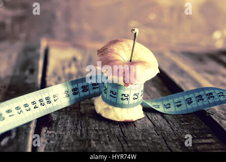 Minceur anorexie apple de mesure Banque D'Images