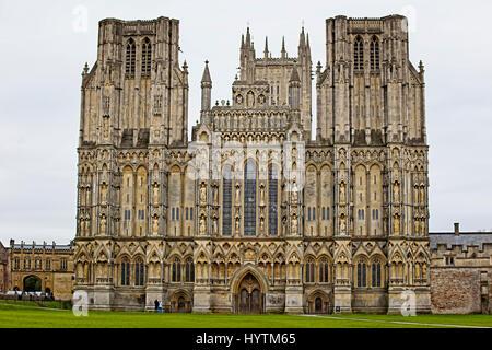 La façade de la ville de Wells Cathedral, Wells, Somerset, England, UK.