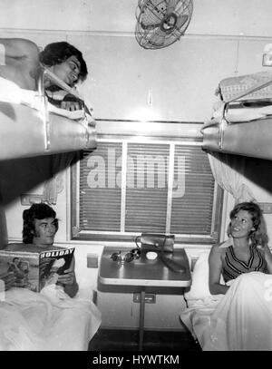 1962 - ''Grand Uhuru Railway'', En Route- Intérieur de première classe Voiture-lits sur le grand chemin de fer d'Uhuru Banque D'Images