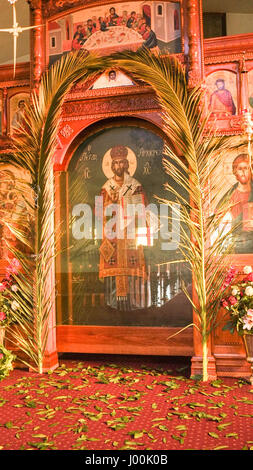 Adélaïde, Australie. 8Th apr 2017. Églises en pierre sont décorées avec des paumes pour le début de la semaine sainte Banque D'Images