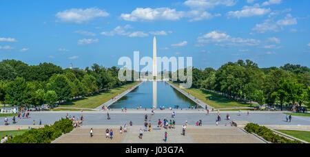 Miroir d'eau et Washington Monument vue depuis le Lincoln Memorial des escaliers. Washington D.C. Banque D'Images