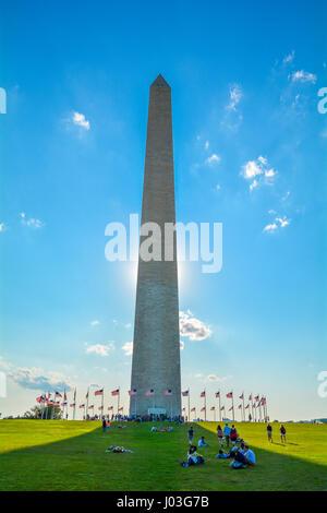 Washington Monument en un après-midi ensoleillé, Washington D.C.