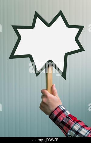 Femme hand holding blank mock up banner signe dans l'espace pour copier du texte ou des devis conception graphique