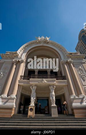 Vue verticale de l'Opéra de Saigon à Ho Chi Minh Ville, HCMC, Vietnam. Banque D'Images
