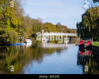 Whitchurch, pont sur la Tamise, Village de Pangbourne dans le Berkshire, Angleterre, RU, FR.