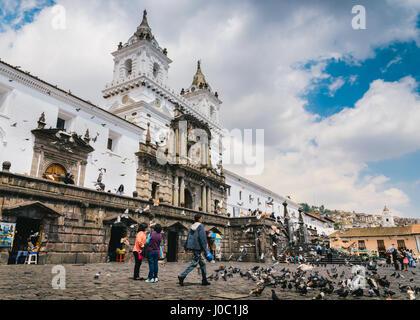 L'église San Francisco de Quito, Équateur Banque D'Images
