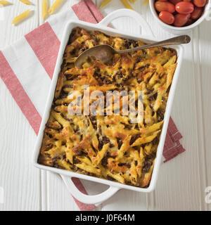 Makaronilaatikko. Casserole de macaroni au Finlandais. L'alimentation de la Finlande Banque D'Images