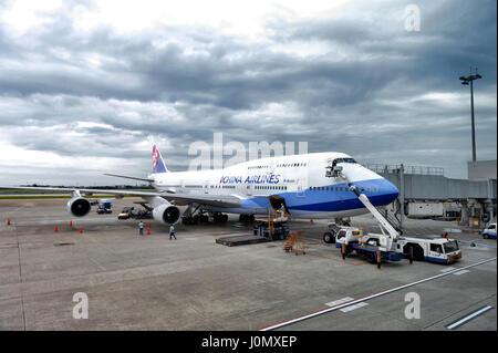 Taipei, République de Chine (Taïwan) - Mars 2016: traitement d'un sol de l'avion Boeing 747-400 de China Airlines à l'Aéroport International de Taiwan Taoyuan