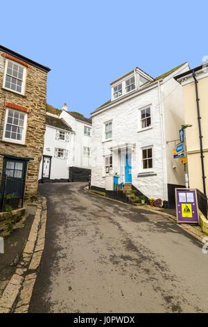 Le port historique de Fowey est plein de rues étroites et des collines abruptes comme Custom House Hill, Cornwall, Banque D'Images