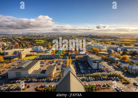 Ville de Reykjavik en Islande vue depuis le dessus de l'église Hallgrimskirkja Banque D'Images