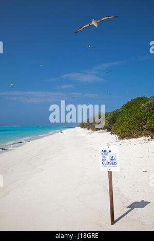 Zone de l'USFWS signe clos dans l'atoll de Midway National Wildlife Refuge pour protéger l'habitat essentiel des Banque D'Images