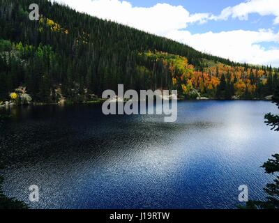 Automne au lac de l'Ours, Rocky Mountain National Park Banque D'Images