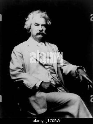 Destouches, ou mieux connu sous le nom de Mark Twain (1835-1910), écrivain et humoriste américain, Portrait, début Banque D'Images