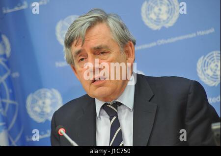 New York, USA. Apr 19, 2017. Conférence de presse par l'ancien Premier ministre britannique Gordon Brown, Envoyé Banque D'Images