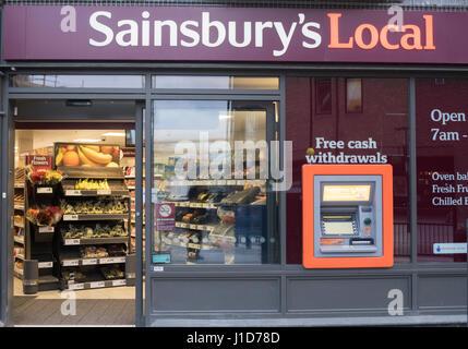 Sainsbury's magasin Local, La ville de Durham, England, UK