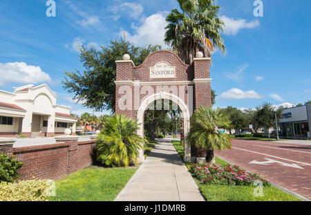 La signalisation de la Floride Sanford 1877 arch brique sur 1e rue au centre-ville, Banque D'Images