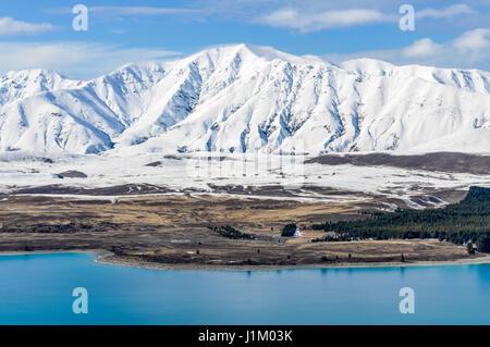 Vue panoramique sur le Lac Tekapo, Sud de l'île de la Nouvelle-Zélande Banque D'Images