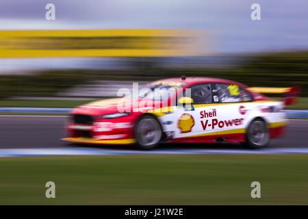Melbourne, Australie. Apr 23, 2017. MELBOURNE, AUSTRALIE - 23 avril: Fabian Coulthard 12 pour conduite DJR équipe Penske/Shell V-Power au cours de la course 2017 WD-40 500 Phillip Island, en Australie le 23 avril 2017. Photo: Dave Hewison Crédit: Dave Hewison Sports/Alamy Live News