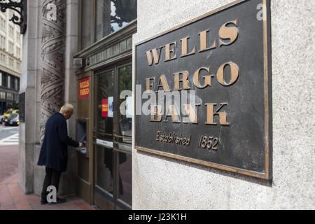 La Wells Fargo Bank exterior, San Francisco, Californie Banque D'Images