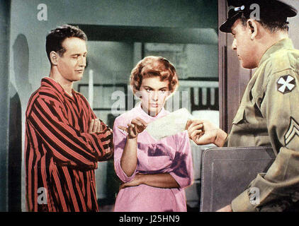 Keine Angst vor scharfen Sachen aka. Rally 'Round the Flag, Boys!, USA 1958 Regie: Leo McCarey acteurs: Paul Banque D'Images