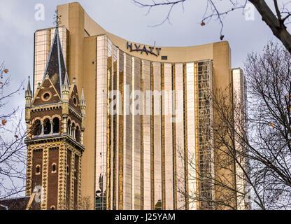 Eglise Saint-Michel en face de l'hôtel Hyatt à Melbourne, Victoria, Australie Banque D'Images