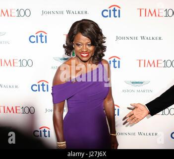 New York, USA. Apr 25, 2017. Viola Davis participe à la fois au Gala 2017 100 Jazz at Lincoln Center le 25 avril Banque D'Images