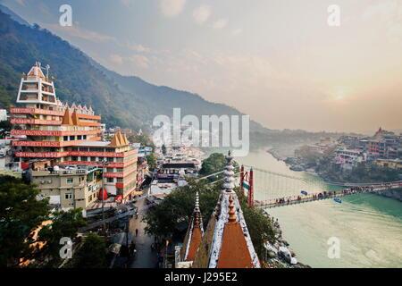 Rishikesh Inde par le Gange Vue de dessus sur le pont Banque D'Images