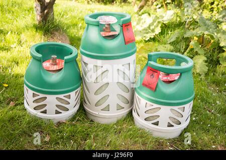 Trois bouteilles de BP gaslite une bouteille de gaz butane léger pour données camping abd BBq's Banque D'Images