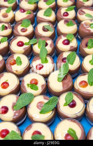 Gastronomie, préparé le dessert, chocolat au lait, vanille Banque D'Images