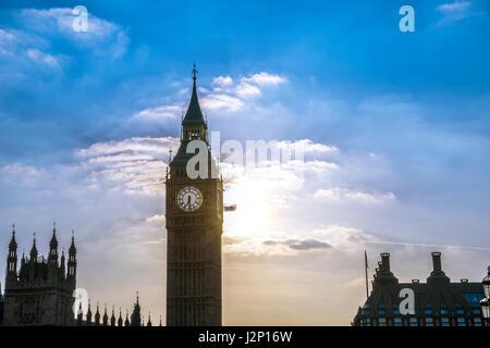 Big Ben rétroéclairé, City of Westminster, London, région de London, Angleterre, Royaume-Uni Banque D'Images