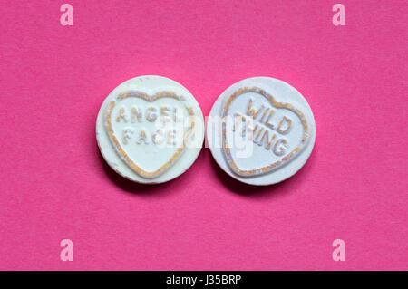 Coeur d'amour des bonbons avec un twist conceptuel. Banque D'Images