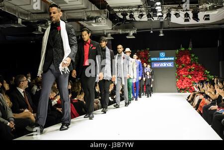 Kuala Lumpur, Malaisie. 5 mai, 2017. Quatre jours de festival de mode Asie STYLO Mercedes 2017 à Kuala Lumpur. Menwears Banque D'Images