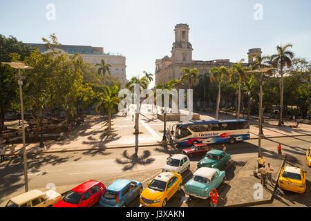 Vue sur le parc Central, Paseo de Marti, La Habana, Cuba Banque D'Images