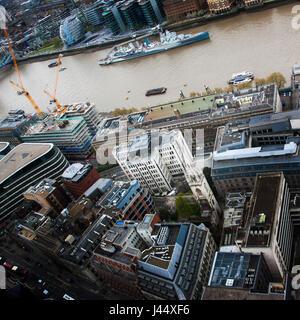 Ariel vue sur le HMS Belfast et l'riverThames Banque D'Images