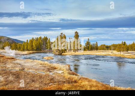 Paysage d'automne dans le Parc National de Yellowstone, Wyoming, USA. Banque D'Images