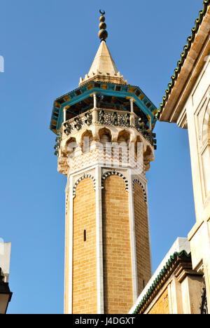 Minaret et la mosquée Hammouda Pacha n la Médina de la ville de Tunis, en Tunisie, l'Afrique Banque D'Images