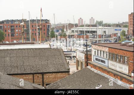 Hull, dans le Yorkshire, UK. 12 mai, 2017. Performance sur le toit spécial pour annoncer le lancement de Humber Banque D'Images