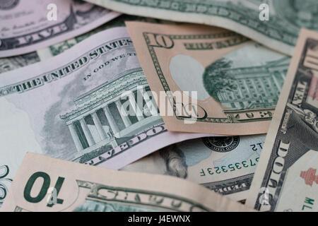 Une pile de billets américains