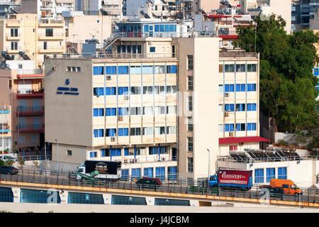 La ville portuaire de Pirée dans la région de l'Attique en Grèce sur la côte est du golfe Saronique. Zone urbaine Banque D'Images