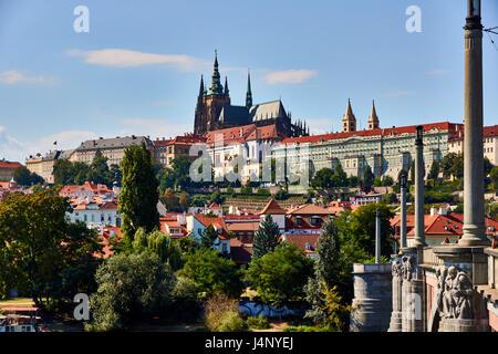 Le Château de Prague vu du pont Manes Prague, République Tchèque Banque D'Images