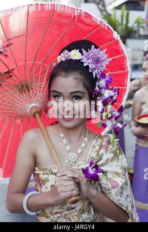 La Thaïlande, Chiang Mai, Chiang Mai Fête des fleurs, femme, décoration florale, affichage écran, robe, traditionnellement, la moitié portrait, le modèle ne libération,