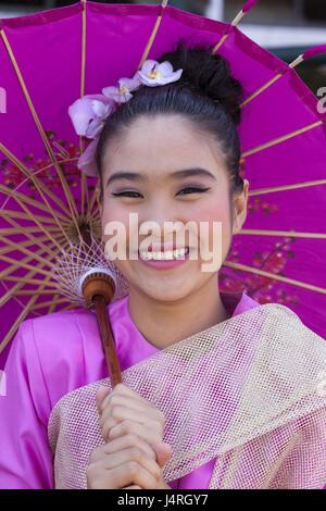 La Thaïlande, Chiang Mai, Chiang Mai Fête des fleurs, femme, jeune, composé, la décoration florale, l'écran d'affichage, le portrait, le modèle ne libération,