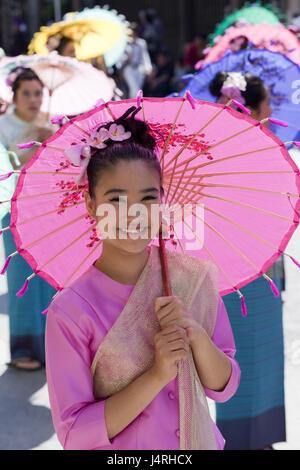 La Thaïlande, Chiang Mai, Chiang Mai Fête des fleurs, femme, jeune, composé, la décoration florale, la moitié de l'écran, portrait, modèle ne libération,